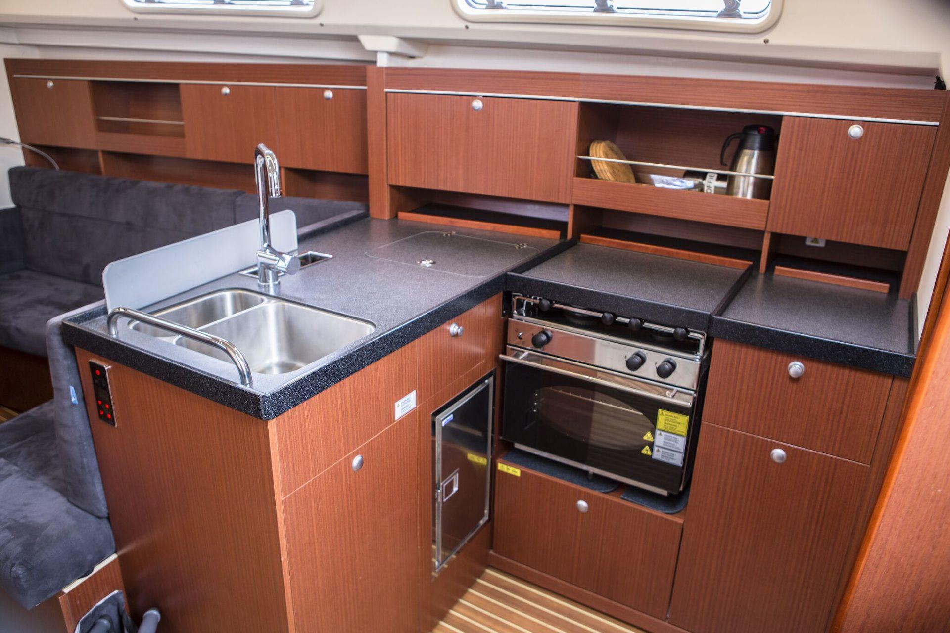 Segelyacht Hanse 345 küchen