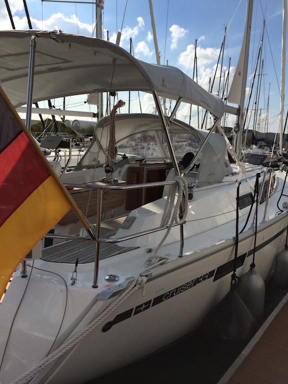 Segelboot Bavaria 33 hinten