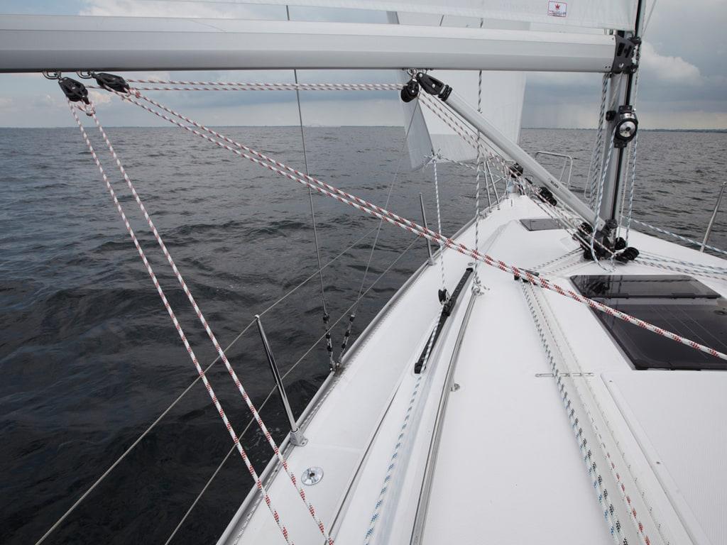 Segelboot Bavaria 34 segelt