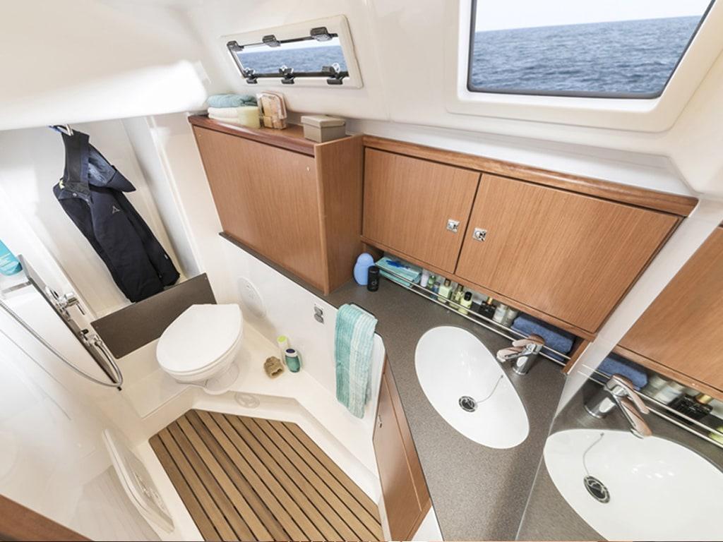 Segelboot Bavaria 34 badezimmer
