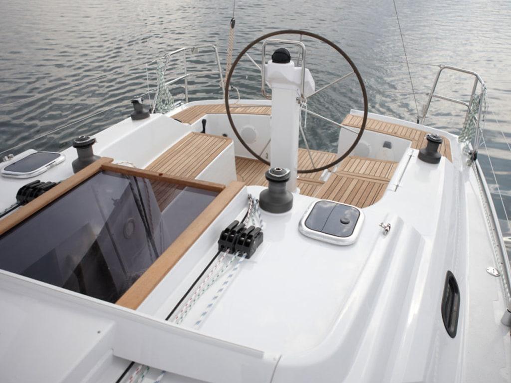 Segelboot Hanse 325