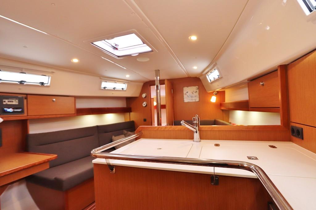 Segel yacht Bavaria 32 Hope interieur