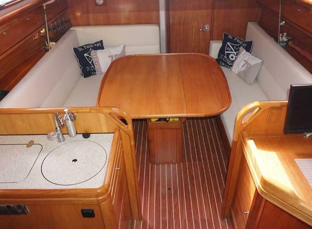 Segelboot Bavaria 30 interieur
