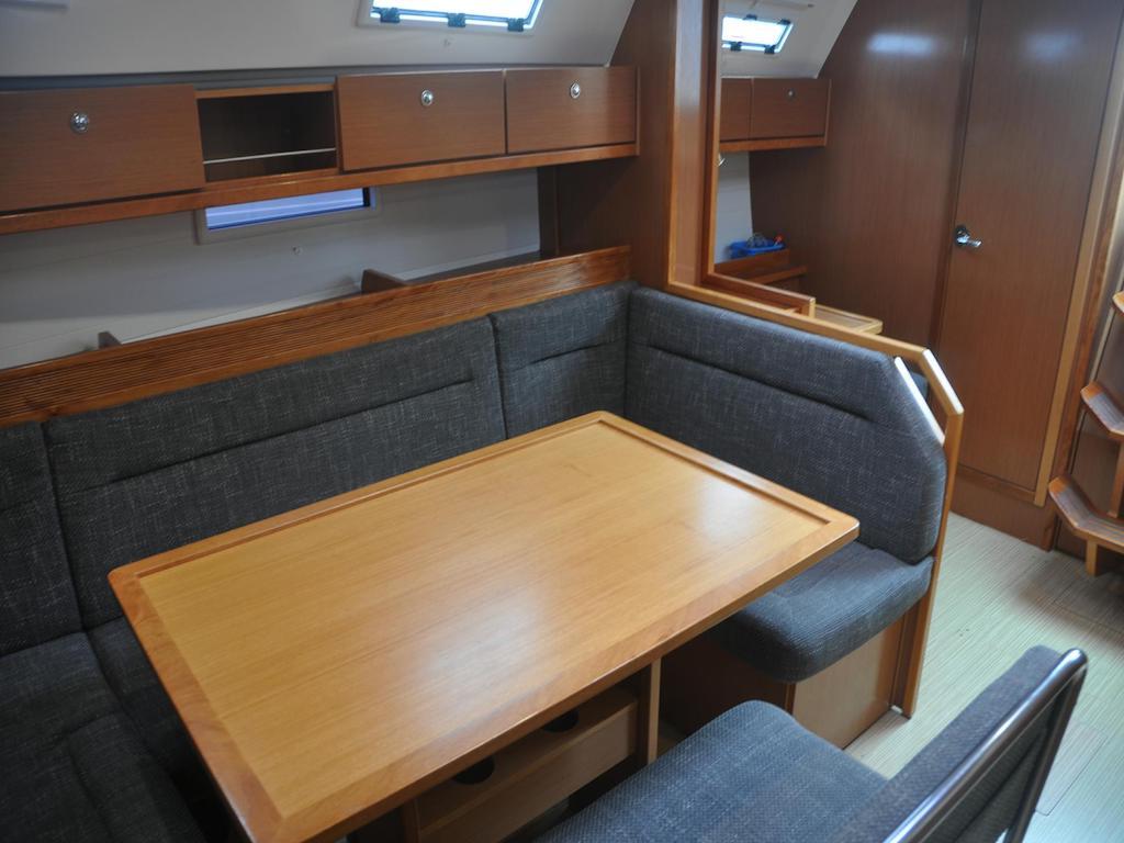 Salon Segelboot Bavaria 40